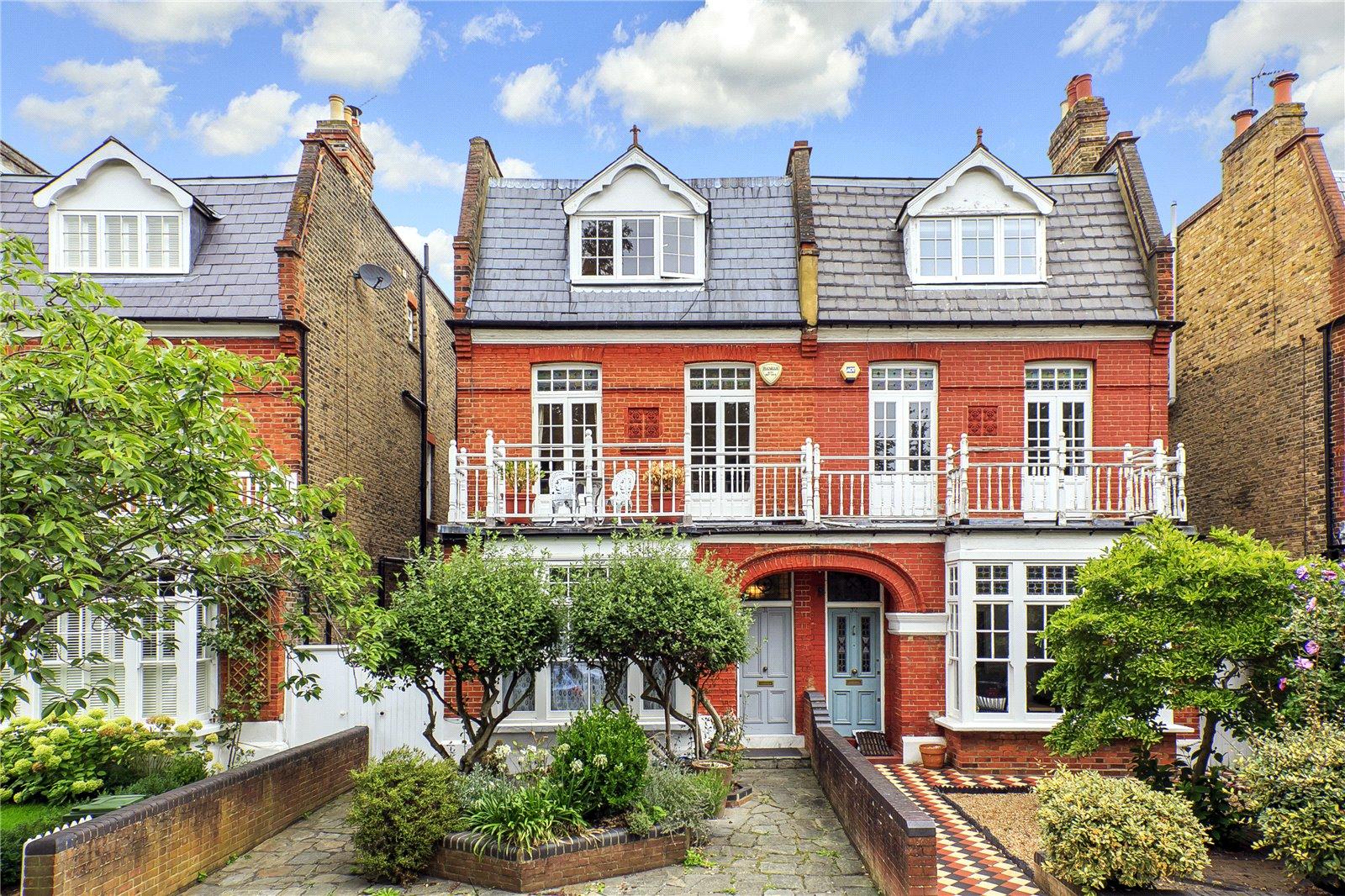 Lawn Crescent, Kew, TW9 3NS - Antony Roberts