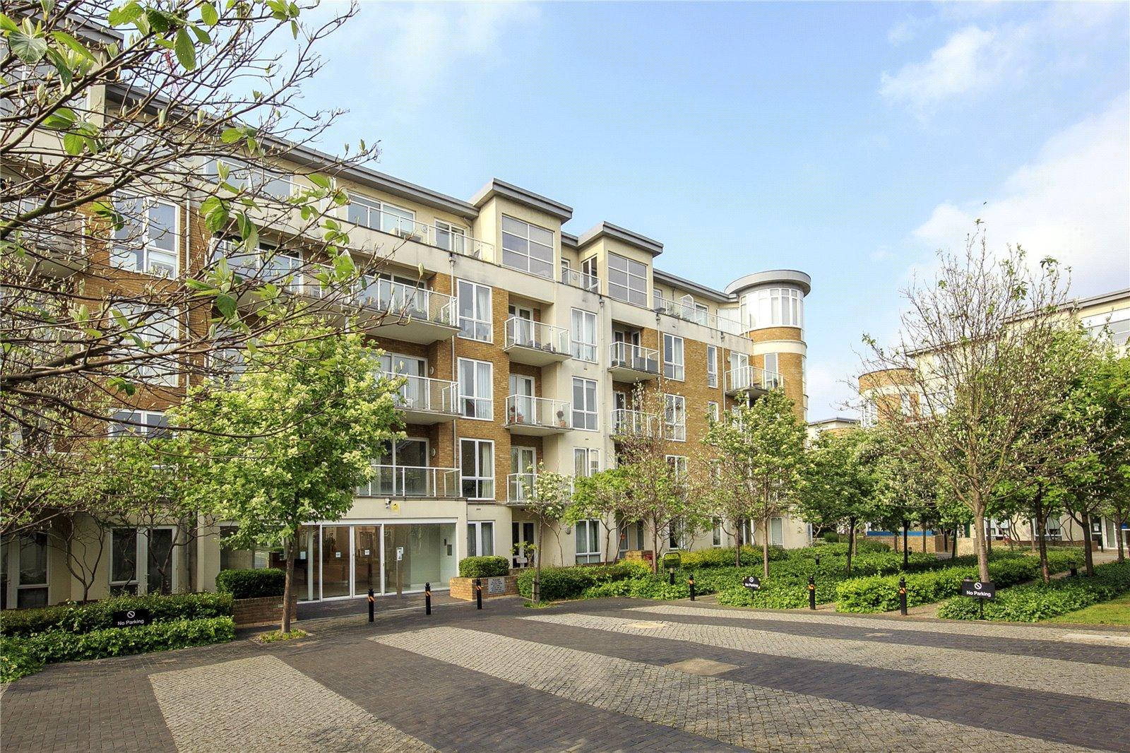 Aura House, 39 Melliss Avenue, TW9 4BX - Antony Roberts
