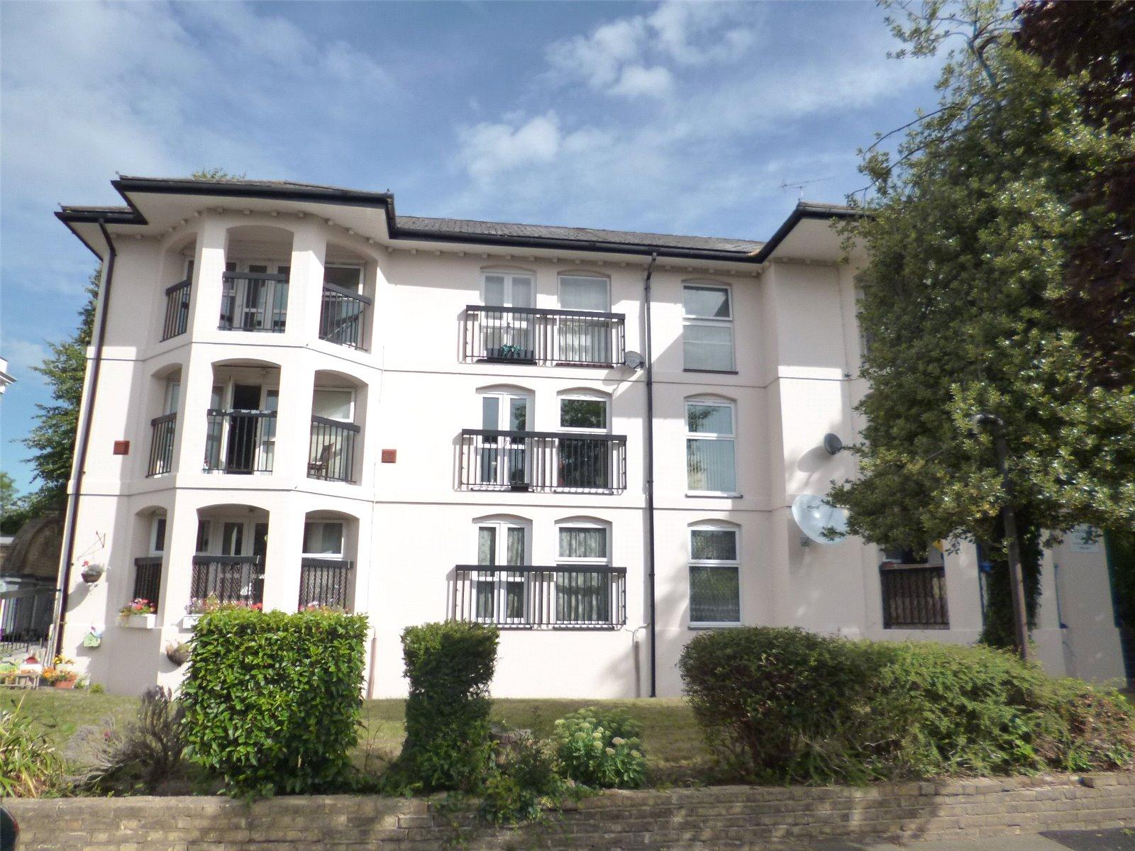 Caradon Court, Ellesmere Road, TW1 2DN - Antony Roberts