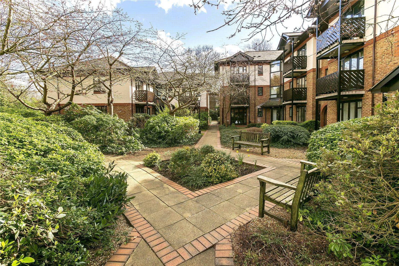 Lichfield Gardens, Richmond, TW9 1AP - Antony Roberts