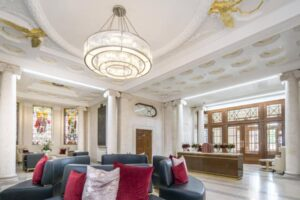 9 Star and Garter House, Richmond, Richmond, Surrey, TW10 6BF - Antony Roberts