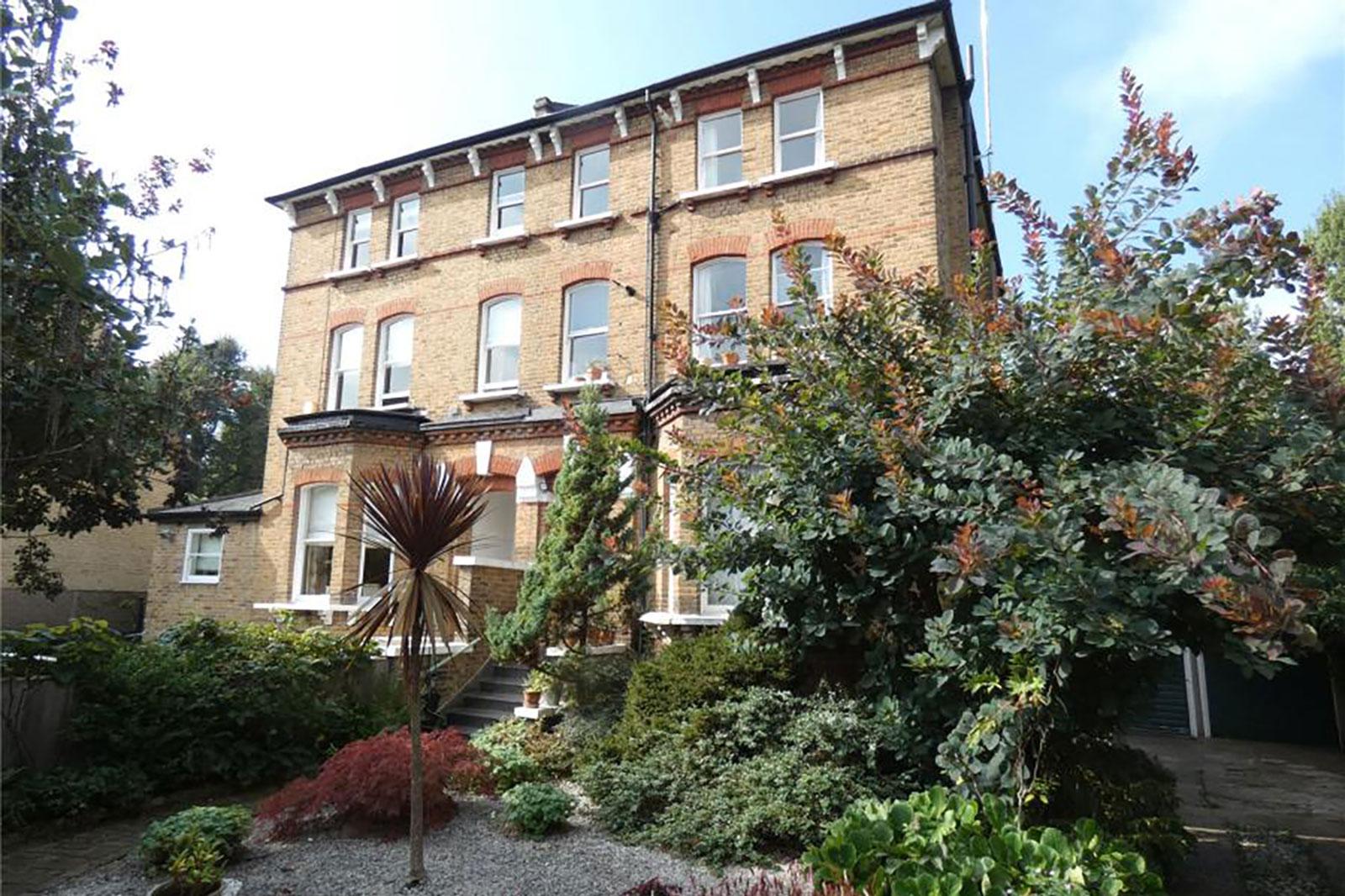 30 St. Georges Road, Twickenham, TW1 1QR - Antony Roberts