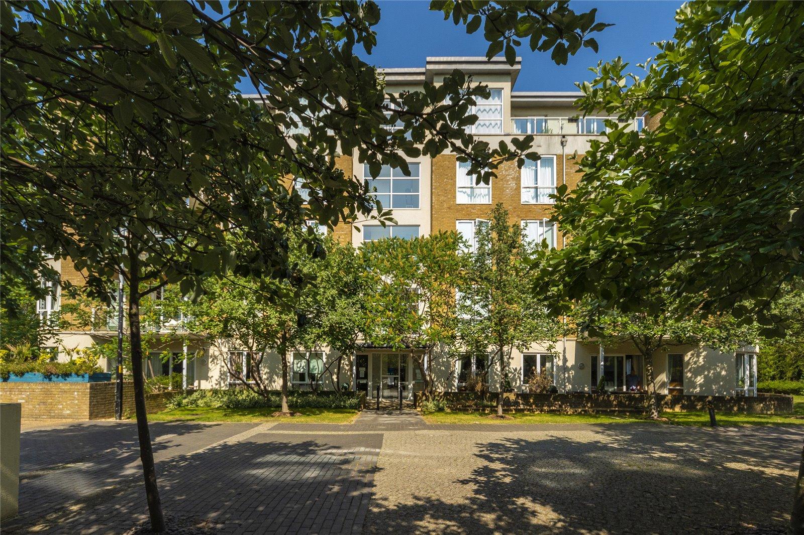 Melliss Avenue, Kew, TW9 4BZ - Antony Roberts