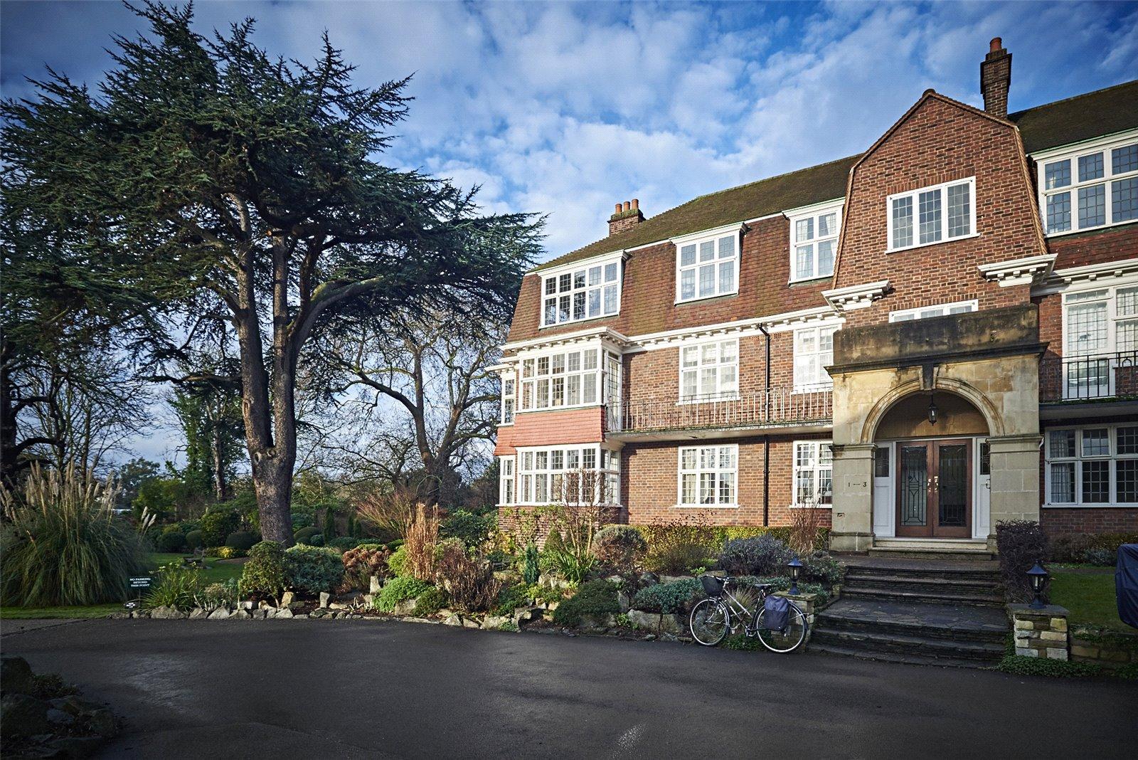 Queensberry House, Friars Lane, TW9 1NT - Antony Roberts