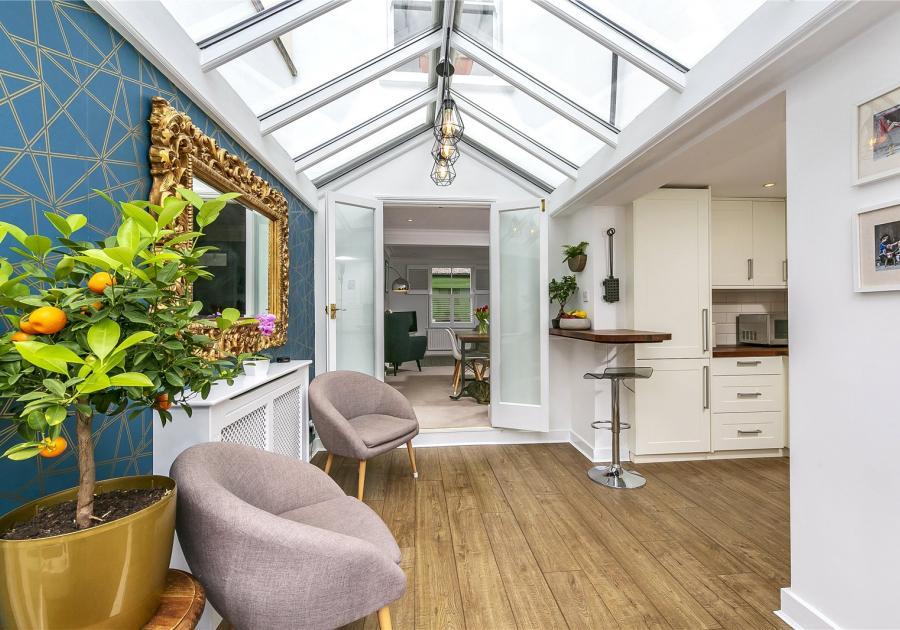 9 Cambridge Cottages, Kew, Richmond, TW9 3AX - Antony Roberts