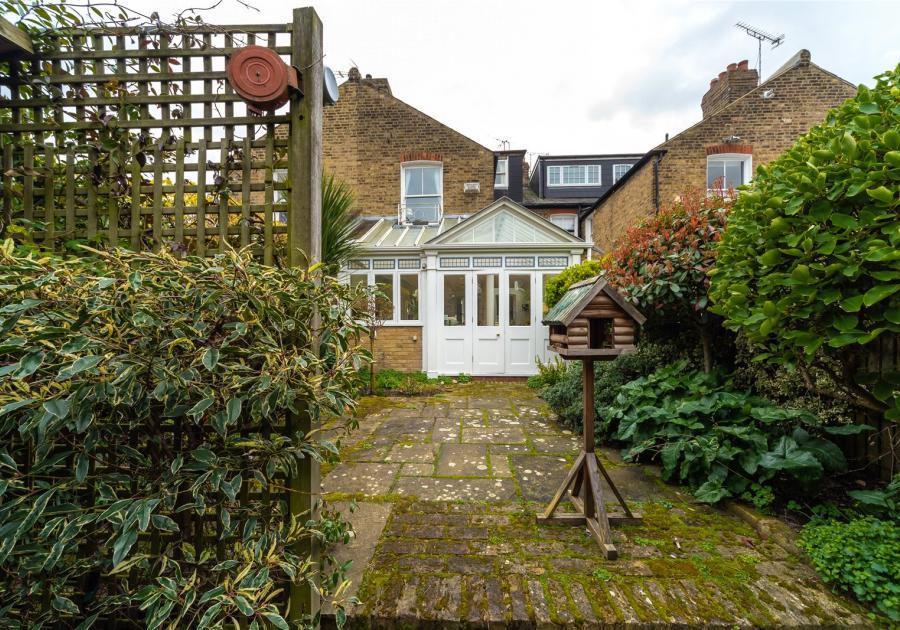 4 Haverfield Gardens, Richmond, Richmond, TW9 3DD - Antony Roberts